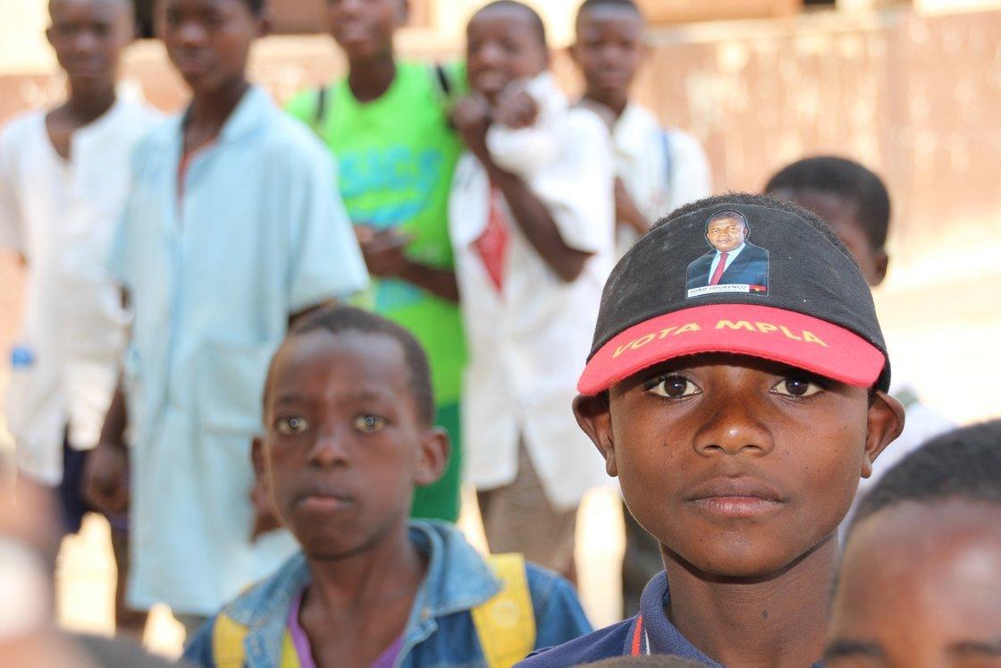 Velger framtida: Partiet MPLA er fremdeles det dominerende partiet i Angola etter valget i august. De unge er spente på hvordan framtida blir.